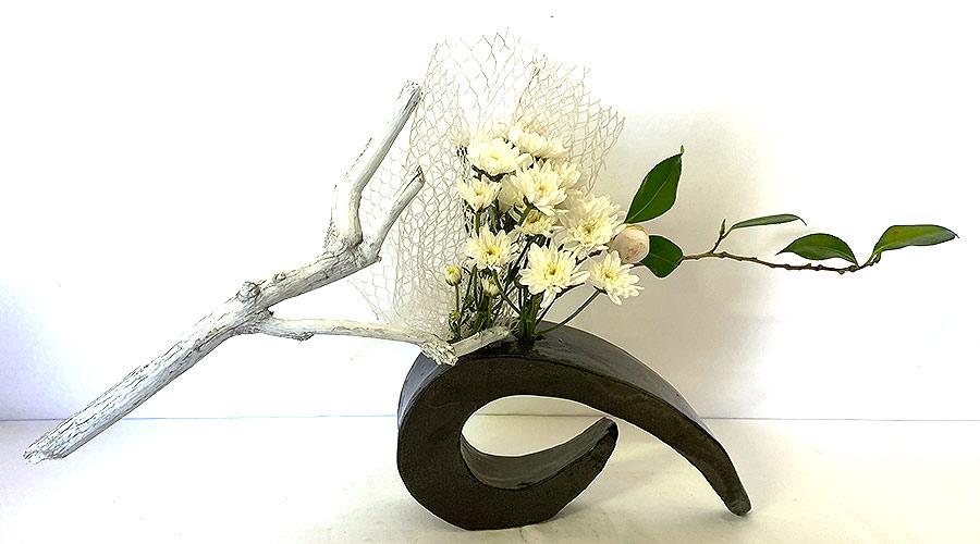 http://www.sogetsu-ikebana.org.au/images/401.jpg